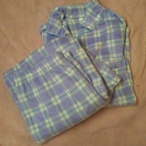 Adonna 2 Piece Cozy Pajamas Like New